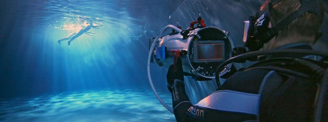 Cine Diving at AED Underwater Film Studio - Lint